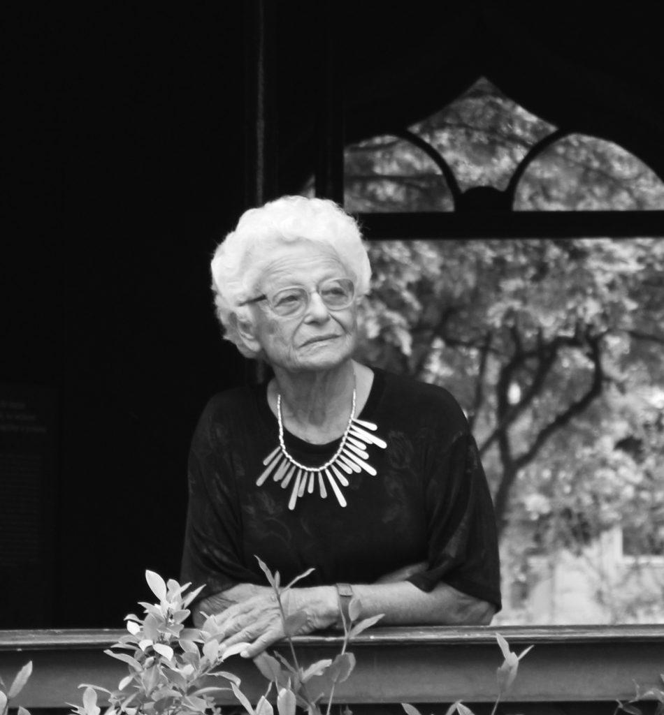 Nora Ronai